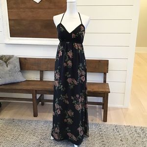 Jessica Simpson black floral print maxi dress A9